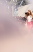 ambient-image-of-the-burberry-prorsum-womenswear-spring_summer-2014-sho_007