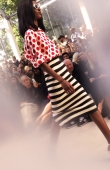 ambient-image-of-the-burberry-prorsum-womenswear-spring_summer-2014-sho_012