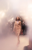 ambient-image-of-the-burberry-prorsum-womenswear-spring_summer-2014-sho_013