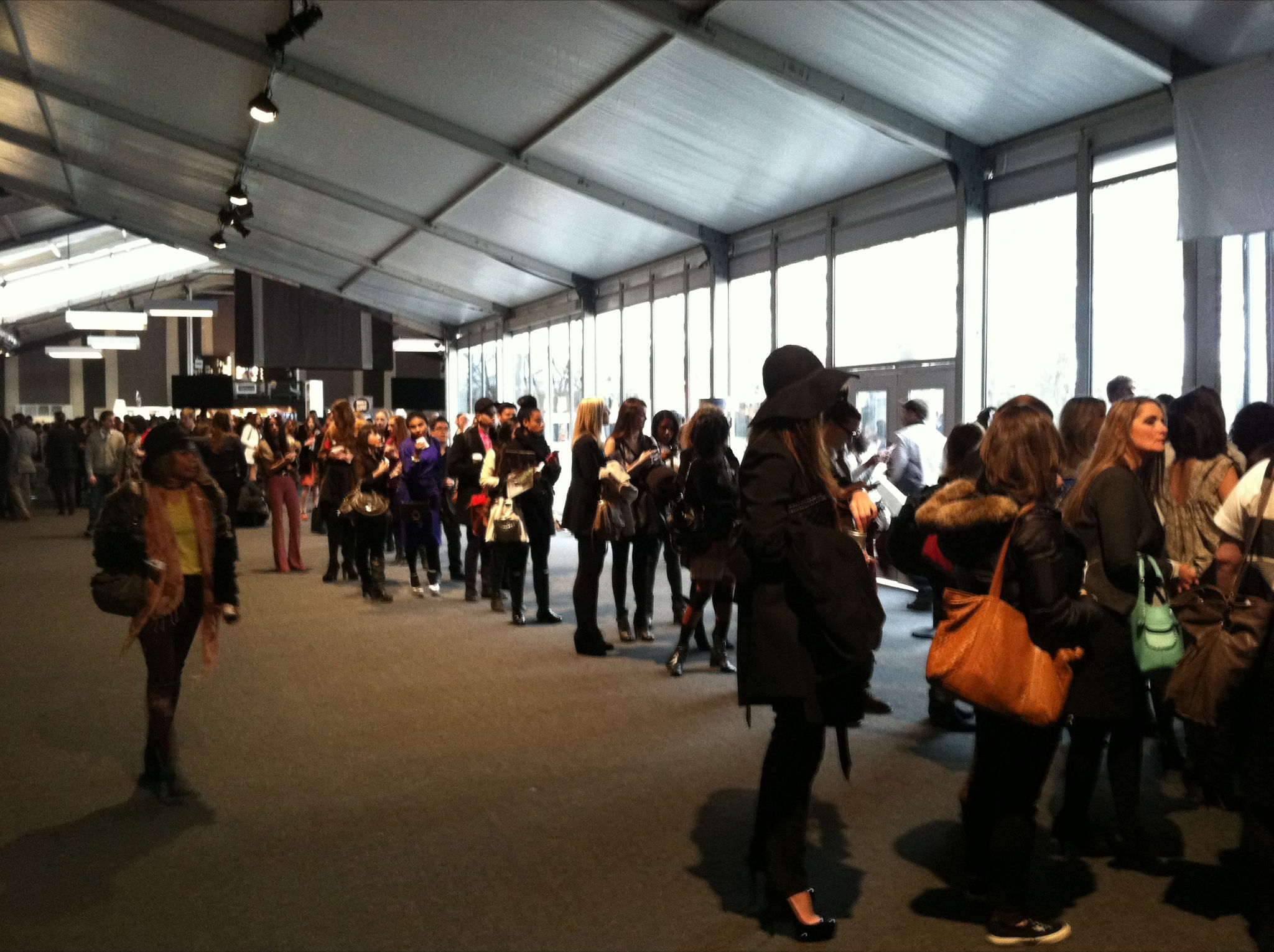 FASHION WEEK MIRACLE – DAY 2