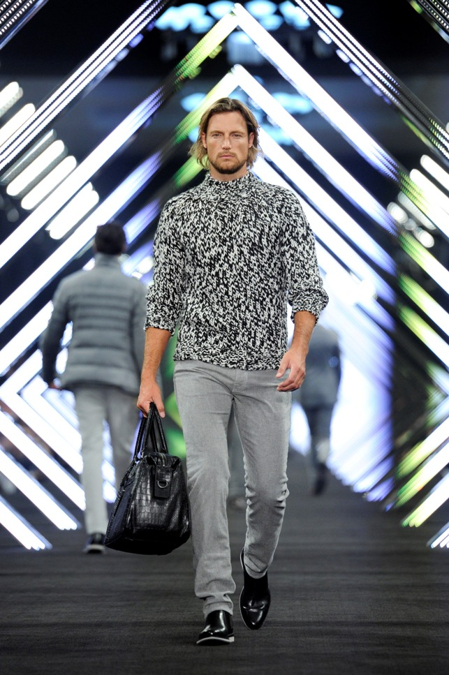 """SHOW, BOSS Black, Gabriel AubryBOSS Black / BOSS Selection Fashion Show and Party Beijing / Fall / Winter 2012 Collection Womenswear and Menswear at  """"China National Agricultural Exhibition Center"""", Beijing, 18.05.2012Agency People Image (c.) Michael Tinnefeld"""