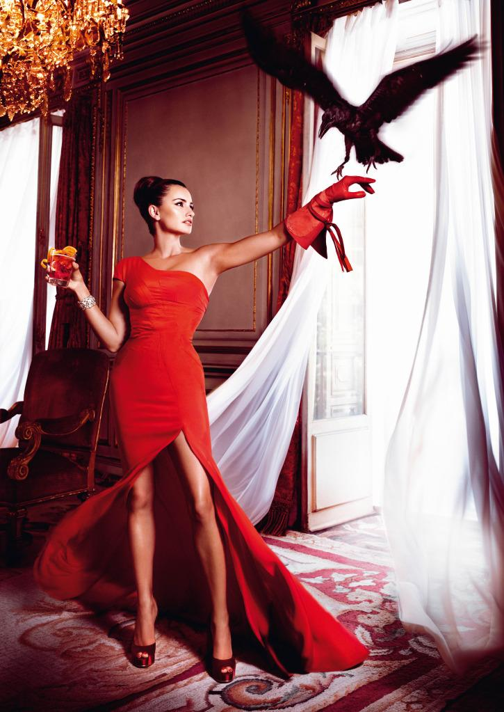 campari-calendar-2013-penelope-cruz-fashion-i-L-AQe38q