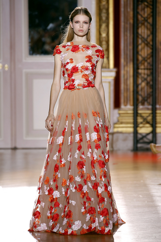 zuhair_murad_couture_fall_2012_28_930924875_north_552x