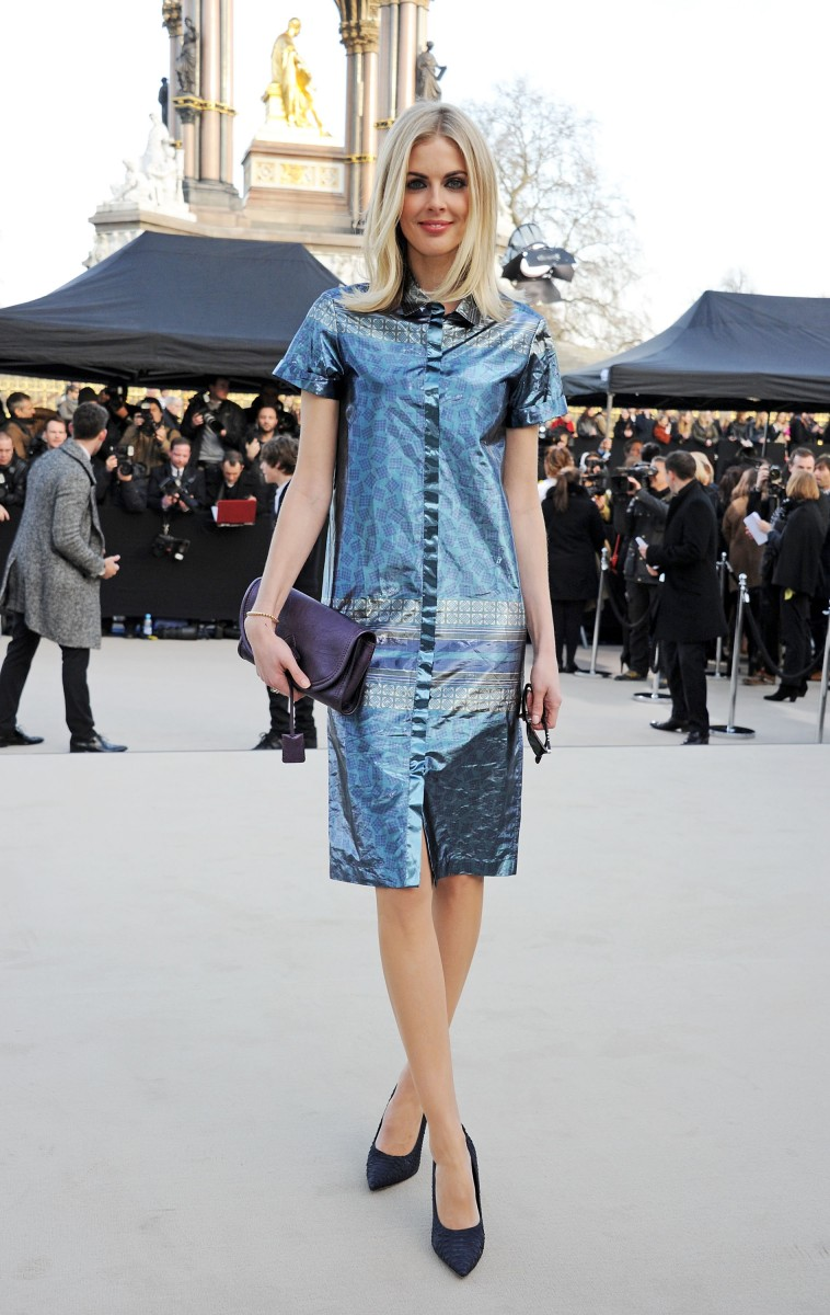 donna air wearing burberry at the burberry prorsum womenswear autumn winter 2013 show