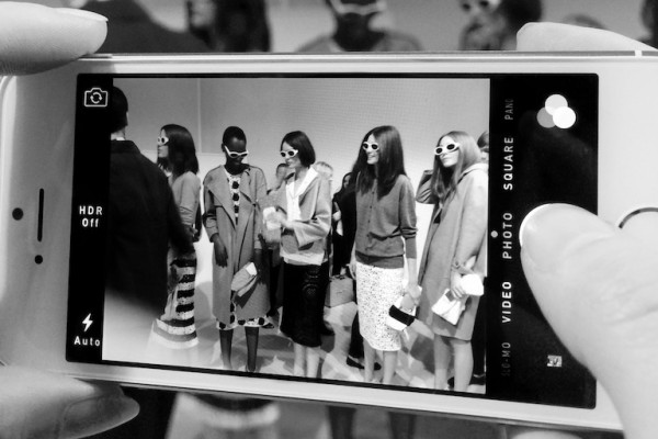 _featBackstage at the Burberry Prorsum Womenswear Spring_Summer 2014 Sho_008