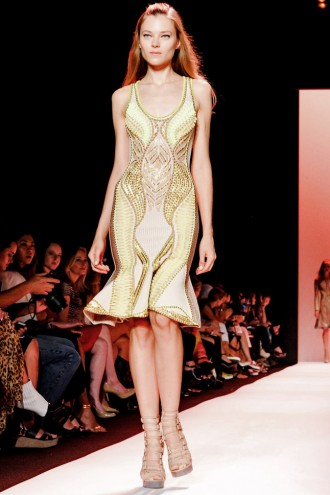 HERVE LEGER BY MAX AZRIA Spring 2015 Runway Show