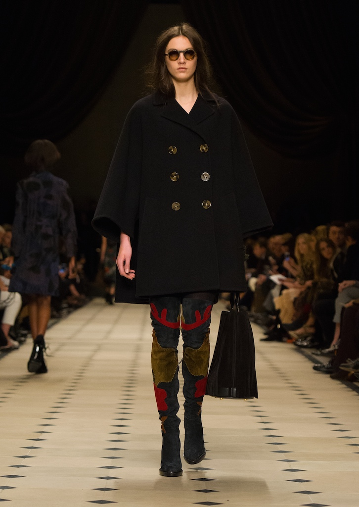 Burberry Womenswear Autumn_Winter 2015 Collection - Look 20