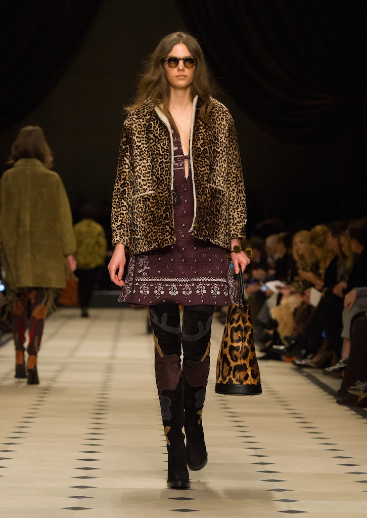 Burberry Womenswear Autumn_Winter 2015 Collection - Look 28