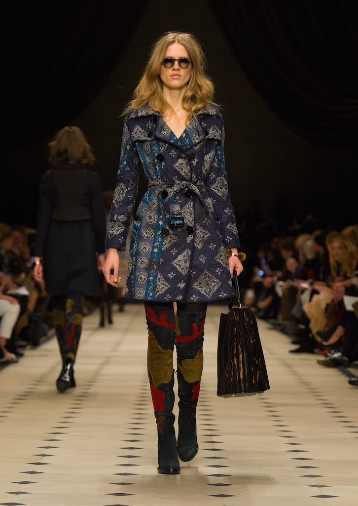 Burberry Womenswear Autumn_Winter 2015 Collection - Look 34
