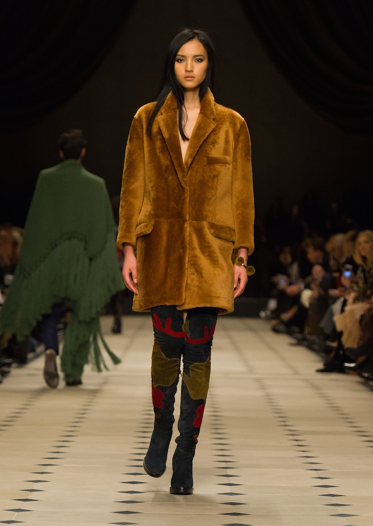 Burberry Womenswear Autumn_Winter 2015 Collection - Look 9